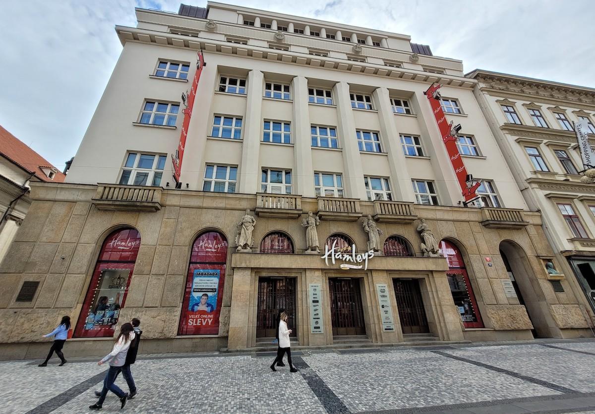 Hračkářství Hamleys na pražských Příkopech