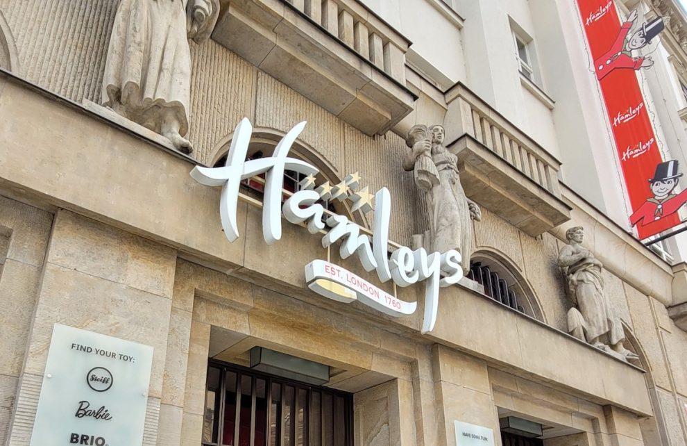 Provozovatel českého Hamleys chystá žalobu na stát